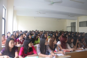 Students at the Yangon University of Economics attending CESD's presentation on the minimum wage in Myanmar